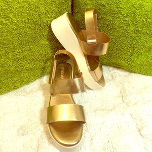 😍 Rose gold platform sandals